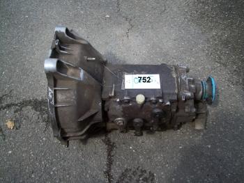 4 Gang Getriebe 460  mit 6 Lochflansch